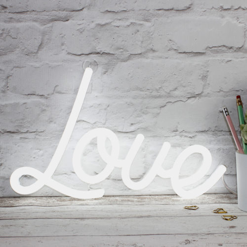 love-white-noths-1300×1300