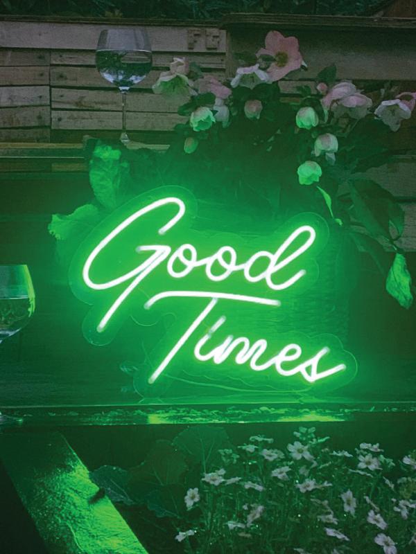 garden-led-neon-light-sign-good-times